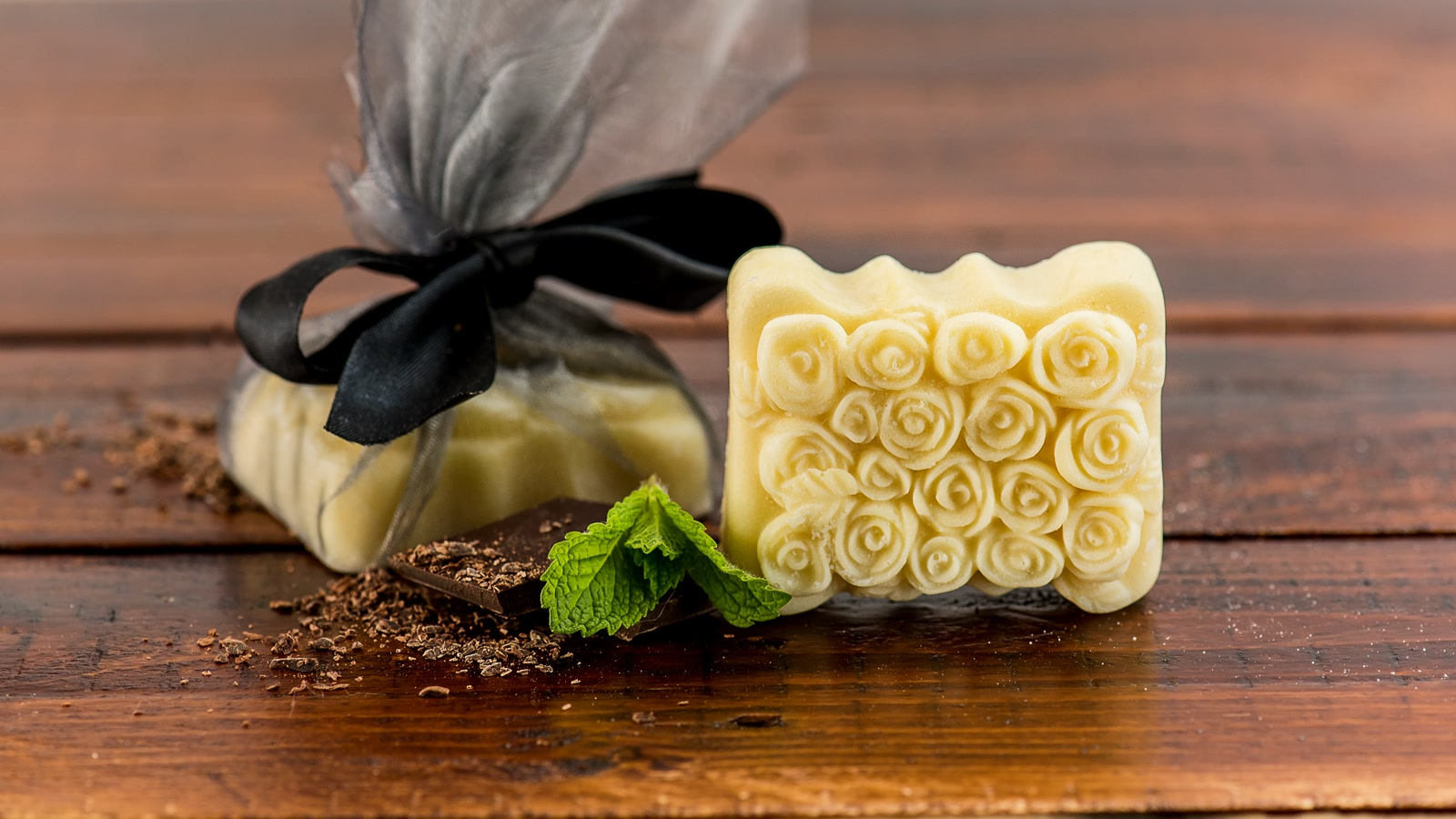 How to make your own aromatic massage bar