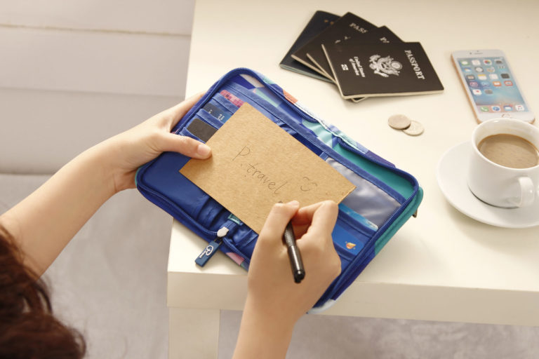 The Best Travel Passport Holder to organize your upcoming trip