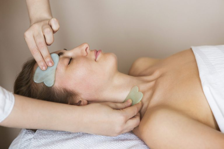 What are the Benefits of a Gua Sha Massage Tool – read here!