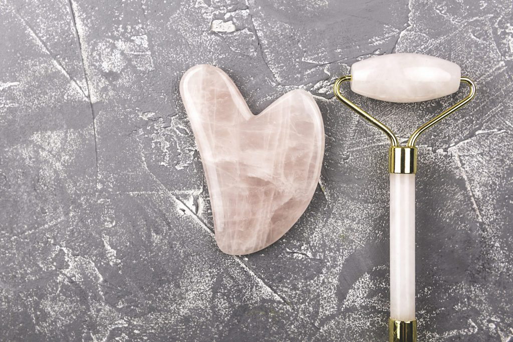 The Ultimate Guide to Using Gua Sha Tools and Jade Rollers – Instagram Users Recommend!