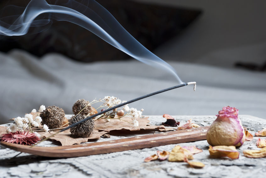 Top 5 Benefits of Burning Incense
